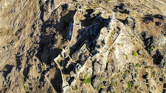 Акрополата на средновековниот град Прилеп.